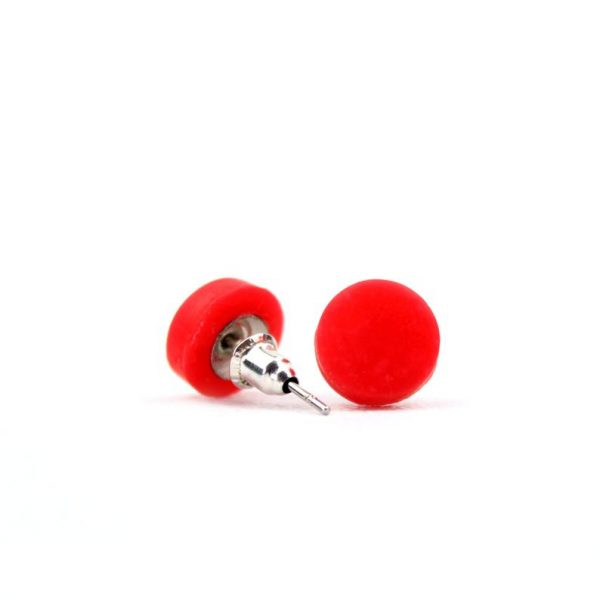Red dot studs